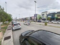 Pawn shops, shopping centres see brisk business