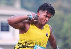 Ex-discus thrower Kamal's going far in shot putt