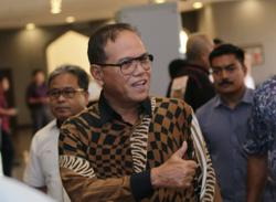 Wan Rosdy's term as Pahang MB extended