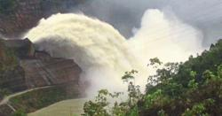 Water from Bakun Dam making rivers swell