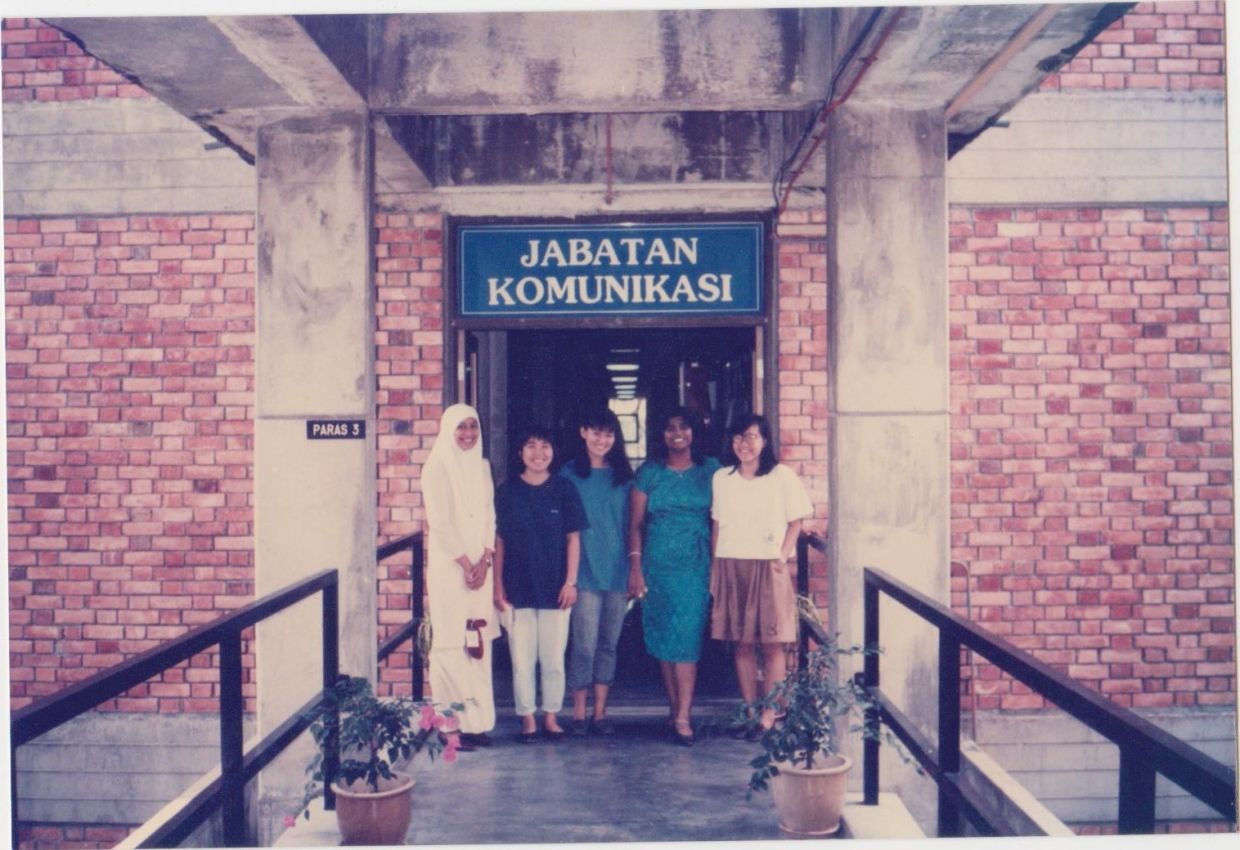 Sujata V. Poobalasingam (2nd from right) and Esther Ng (centre) would go from working together on their campus newspaper to being colleagues at Star Media Group.