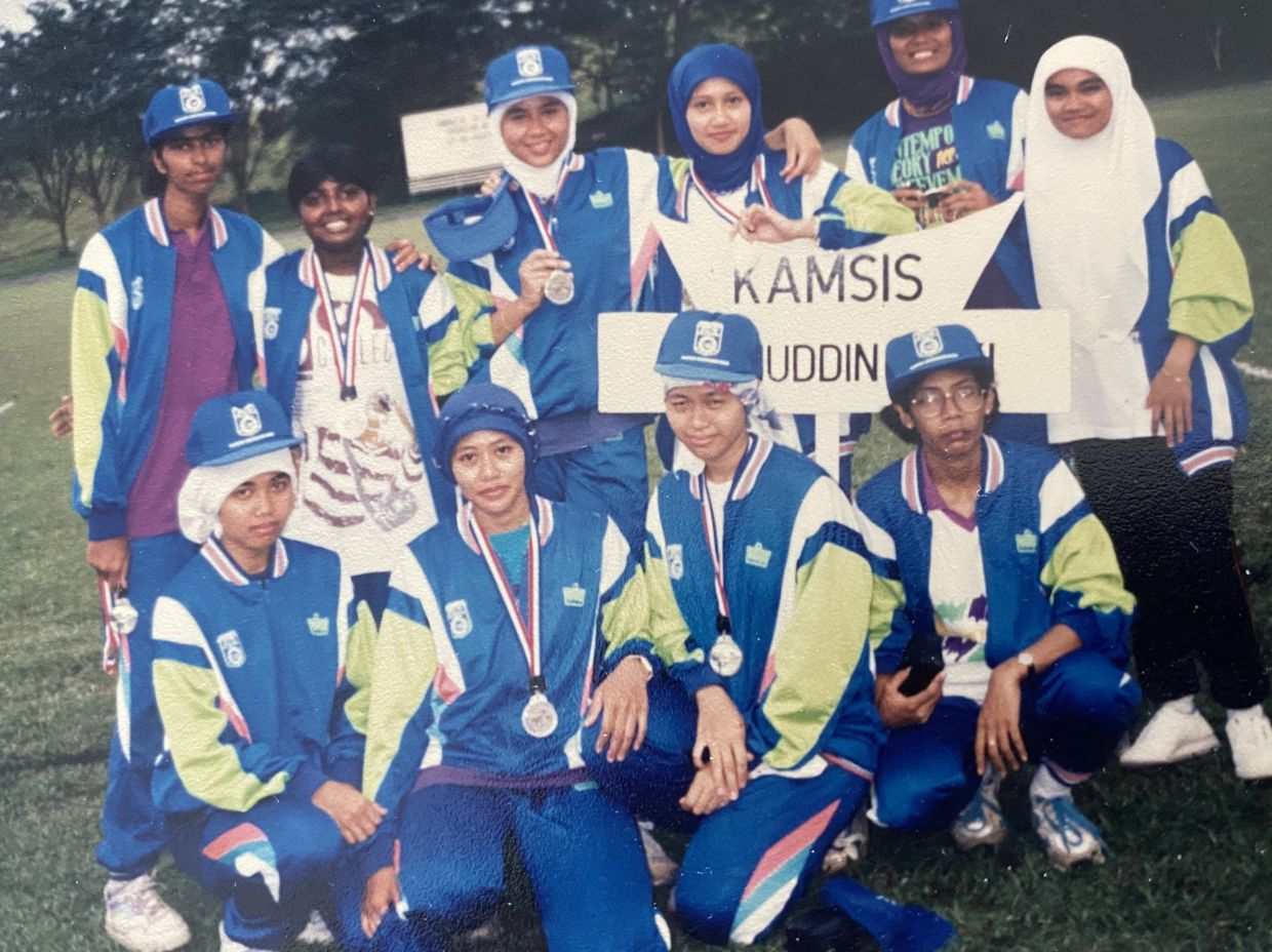 Rajes Paul (back row, 2nd from left) represented her college Kamsis Aminuddin Baki in netball.