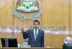Klang council chief finally sworn-in... 49 days after appointment