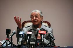 Dr Mahathir no longer Bersatu chairman, according to ROS letter