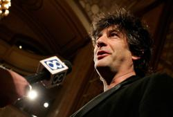 Police warn writer Neil Gaiman over lockdown trip from New Zealand to Scotland