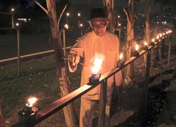 Oil lamp contest for Raya