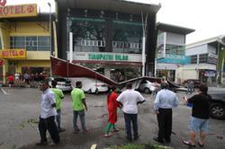 Freak storm wreaks havoc on parts of Ipoh