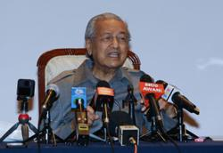 Dr M: If I wanted to betray the people, I would have been PM via Perikatan