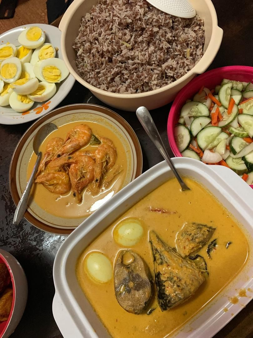 The boys decided to try their hand at nasi dagang during Ramadan to make sure they get it right on the first day of Raya.