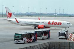 Lion Air Group cuts salaries, bonuses but says no layoffs in sight