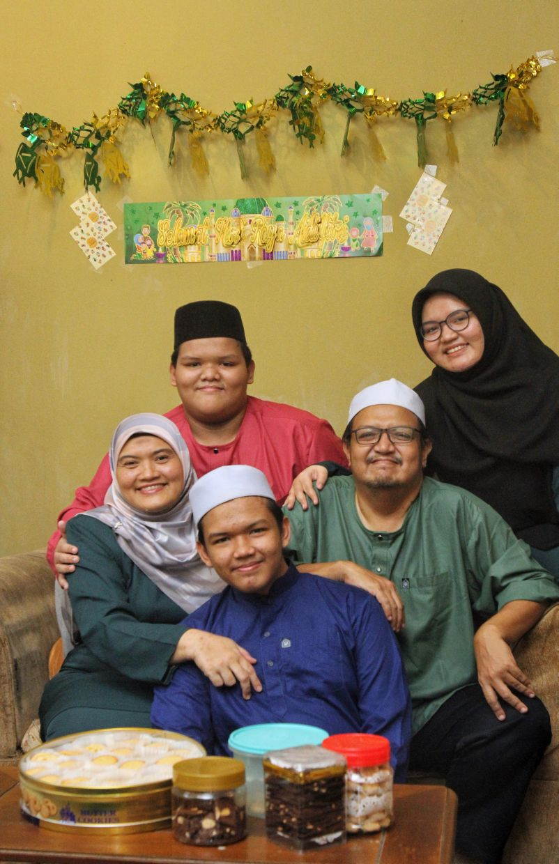 From left: Wan Zurainah Wan Mohamad, Mohamad Danial Iman, Mohammad Danish Hakim, Mohd Nasir Abd Rahman, and Amira Delaila.