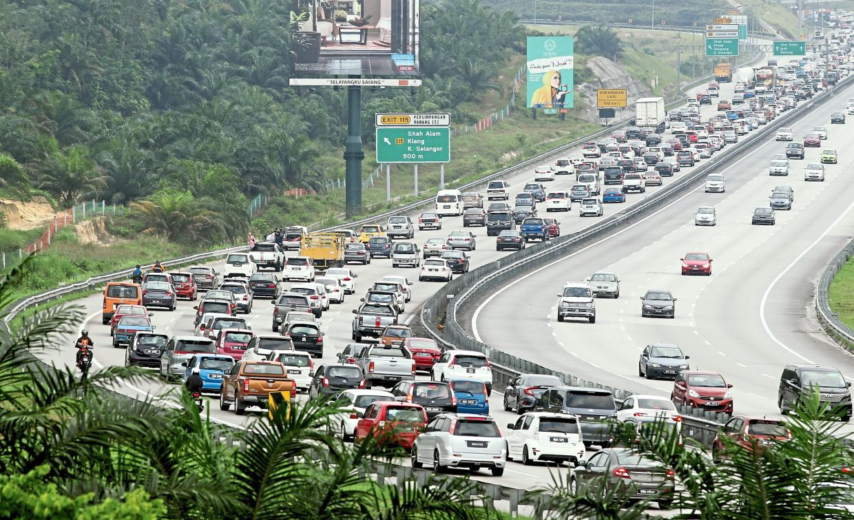A typical view of the highway in Peninsular Malaysia during any major celebration. However, this year, Hari Raya will be less hectic as interstate travel is still not allowed. — AZMAN GHANI/The Star