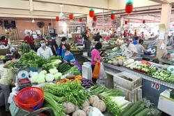 KL market traders now man their own stalls