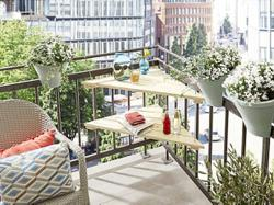DIY tip: Enhance your balcony space with a 3-cornered table