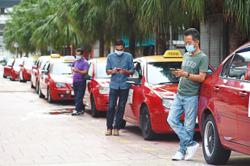 Cabbies told to renew driver's card to get aid