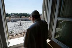 Public returns to St. Peter's Square; pope calls for defence of environment