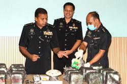 Johor Police foil attempt to smuggles RM1.9mil in drugs to Indonesia