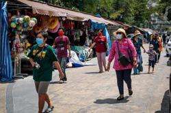 Thailand boosts domestic tourism by certifying shops' health measures