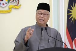 Govt says it again: Raya visits no longer allowed