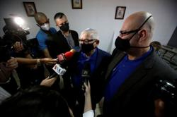 Defying pandemic, gay couples hold first marriages in Costa Rica