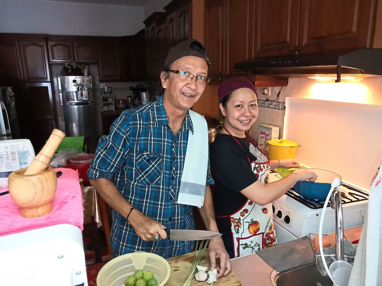 Amizan, who has been performing for the last 40 years, has started his own home-cooked food delivery business with wife Kyra.