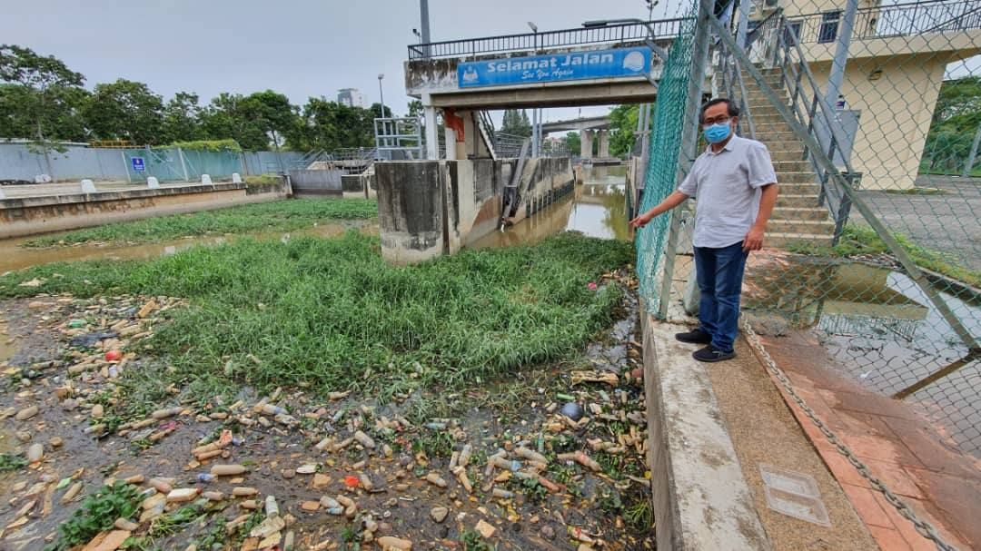Kota Laksaman assemblyman Low Chee Leong said he found the river deluged with plastic waste during a random check on May 23.