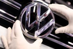 VW in final talks to seal biggest M&A deals in China