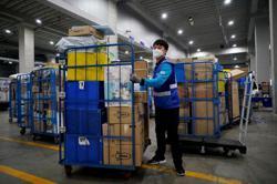 South Korea coronavirus spike stirs second wave concern, social distancing crackdown