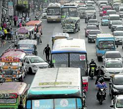 Continued ban on buses, jeepneys in Manila could be 'catastrophic', warns economist