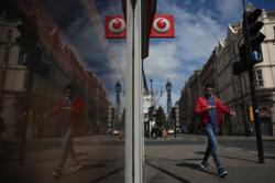 Google considers stake in India's Vodafone Idea, FT says