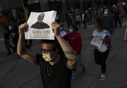 Facebook, Instagram leave Trump's threat about shooting Minneapolis protesters unchecked