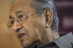 Picture of Dr M seated with Perikatan Nasional leaders making its rounds online