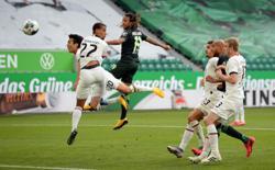Frankfurt snatch 2-1 victory at Wolfsburg to snap winless run