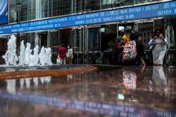 Hong Kong leads Asia markets rally on coronavirus hopes