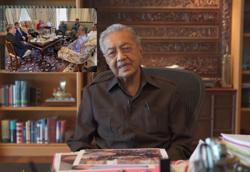 Dr M: Muhyiddin came to see me alone several times urging we leave Pakatan