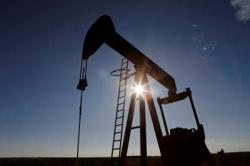 Oil prices rise ahead of OPEC+ meeting on output cuts