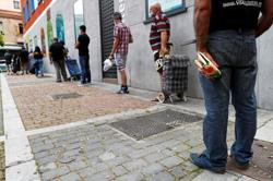 Spain reports no new COVID-19 deaths since Sunday