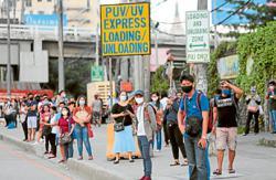 Chaos as thousands return to work in Metro Manila