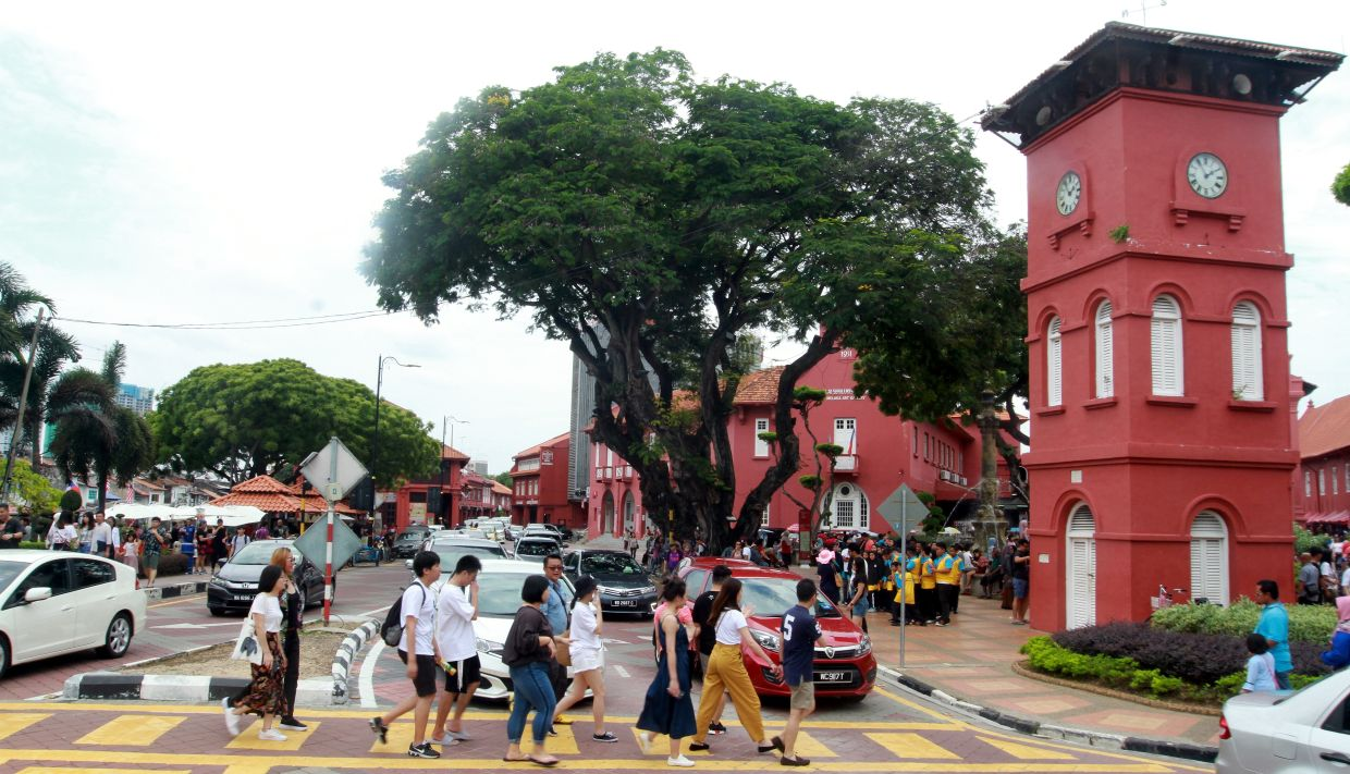 Many of the aforementioned cities, like the historic city of Melaka, are also popular among tourists.