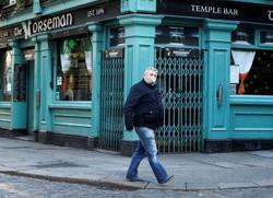 Irish pubs say two metre social distancing spells ruin