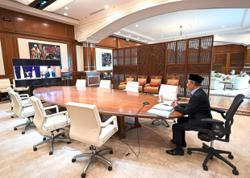 Muhyiddin back at the office
