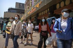 China has first non-imported infection in two weeks