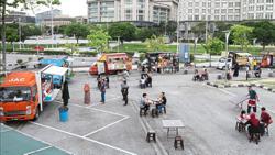 Food truck operators seeking more customers