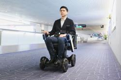 Personal mobility machine needs no help at Tokyo airport