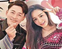 Actor Raymond Lam and wife Carina Zhang expecting their first child