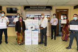 Sabah Health Dept receives air purifying respirators from Star Foundation