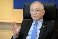 Wee: We'll look into e-hailing sector issues