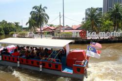 Visitors rejoice as Melaka river cruise returns