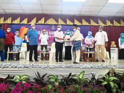 Majority of Felda settlers in Pahang given land grants