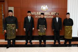 Rais Yatim among five sworn in as senators Tuesday (June 16)